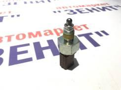 Выключатель стоп-сигналов VAG 02T945415P