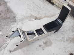 Центральная консоль с подлокотником passat B6  CC бежевая
