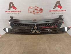 Решетка радиатора Mitsubishi Outlander (2012-Н. в. ) 2018- [7450B317]