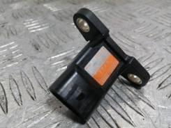Датчик давления во впускном коллекторе Mazda Axela [RF4F18211] BK5P ZY-VE