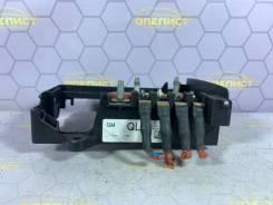 Блок предохранителей Opel Astra [13302305] J