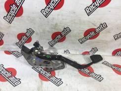 Педаль сцепления Toyota Succeed 2011